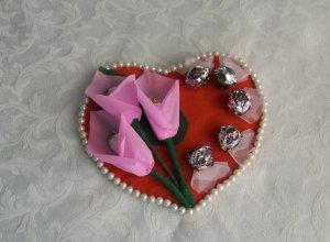 Мастер-класс по созданию «Валентинки» с цветами из конфет