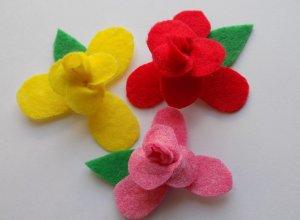 Простой способ создания цветов из фетра