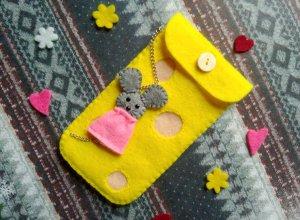 Шьем чехол из фетра для девочки «Сыр и мышка»
