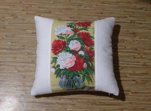 Шьём декоративную подушку с вышивкой