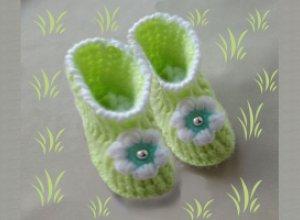 Вяжем пинетки-сапожки для малыша крючком