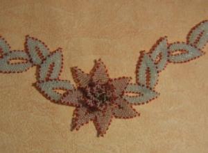 Мастер-класс по плетению из бисера колье «Лилия»