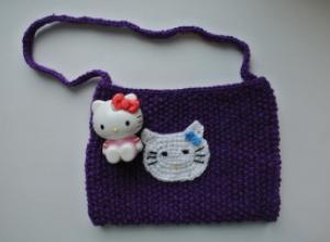 Вяжем детскую сумочку с Китти