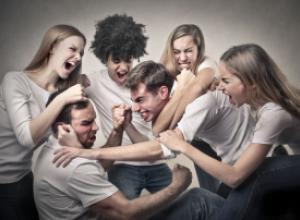 6 типов «подавляющих» друзей