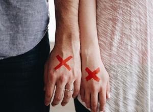 15 признаков того, что ваши отношения себя исчерпали