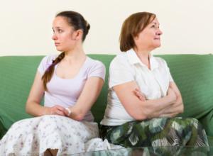 Что делать, если свекровь лезет в семью
