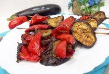 Вегетарианский овощной шашлык в духовке