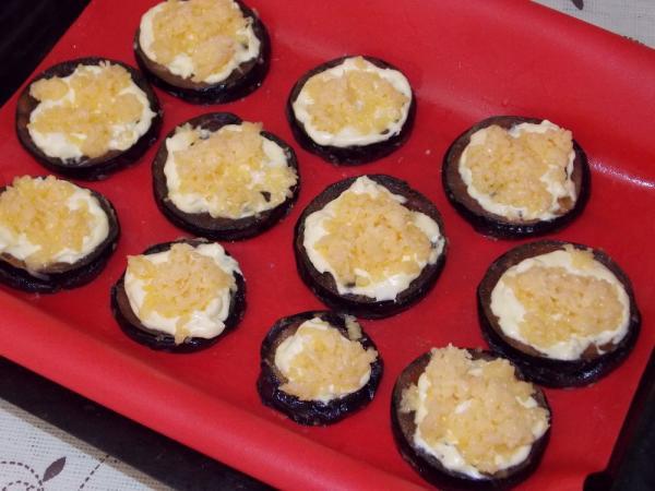 Запеченные баклажаны с картошкой и помидорами