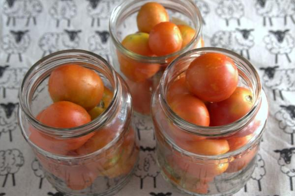 Консервированных помидоров в заливке