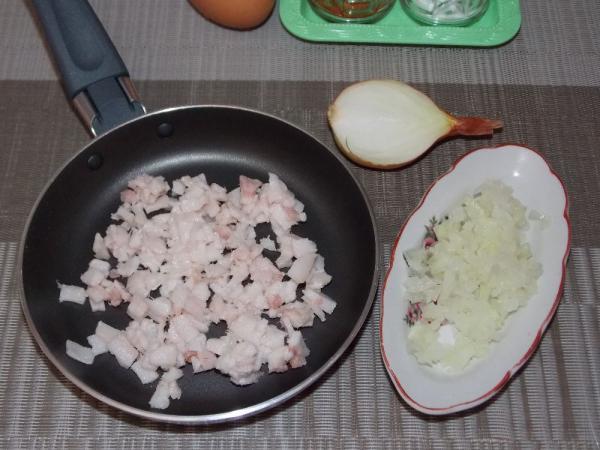 Яичница с салом и зеленью - рецепт пошаговый с фото