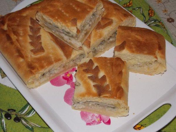 Пирог из мойвы с