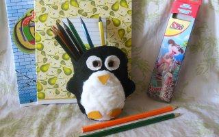 Делаем стакан для канцелярии в виде пингвина
